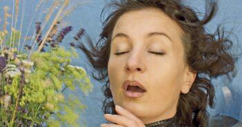 Pollen aktuell unterwegs: Pollenkalender für Allergiker