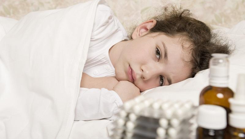 """Sie werden """"normal"""" krank und kämpfen mit den Symptomen einer milden Grippe oder fühlen sich aufgrund von Müdigkeit nicht wohl. (#02)"""