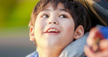 Wachkoma Kinder: Wenn das Leben von Neuem beginnt