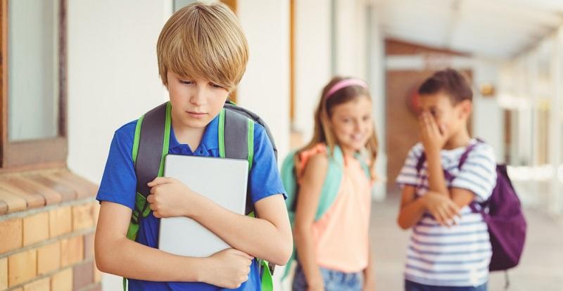 Ohrenkorrektur Mannheim schuetzt vor Haenseleien. Insbesondere bei Kindern ist diese Maßnahme zu empfehlen, da sie ihnen jahrelange Hänseleien erspart: