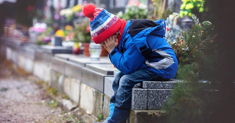 Experten sind sich einig: Es ist besser, die Ohren des Kindes möglichst früh korrigieren zu lassen. Das verhindere unnötige Hänseleien und schützt Eltern und Kinder. (#03)