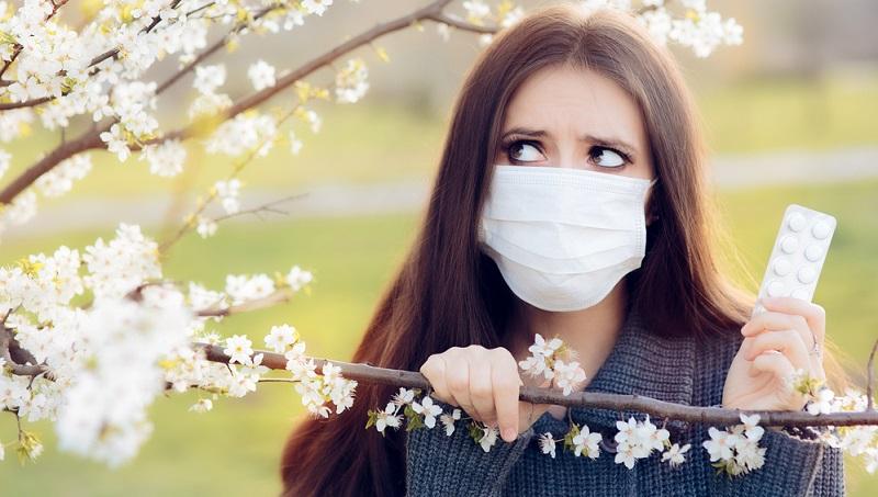 Einfach ist die Diagnose meist, wenn es einen saisonalen Zusammenhang zwischen den Allergenen und dem Auftreten der Beschwerden gibt, wie das etwa bei Heuschnupfen in der Zeit der Gräserblüte der Fall ist.