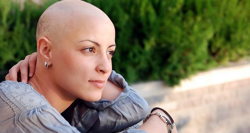 Eine frühzeitige Therapie erhöht die Heilungschancen bei Brustkrebs deutlich. Um die Krankheit zu behandeln, gibt es mehrere verschiedene Therapieformen, die in den folgenden Abschnitten vorgestellt werden. Eine frühzeitige Therapie erhöht die Heilungschancen bei Brustkrebs deutlich. Um die Krankheit zu behandeln, gibt es mehrere verschiedene Therapieformen, die in den folgenden Abschnitten vorgestellt werden.