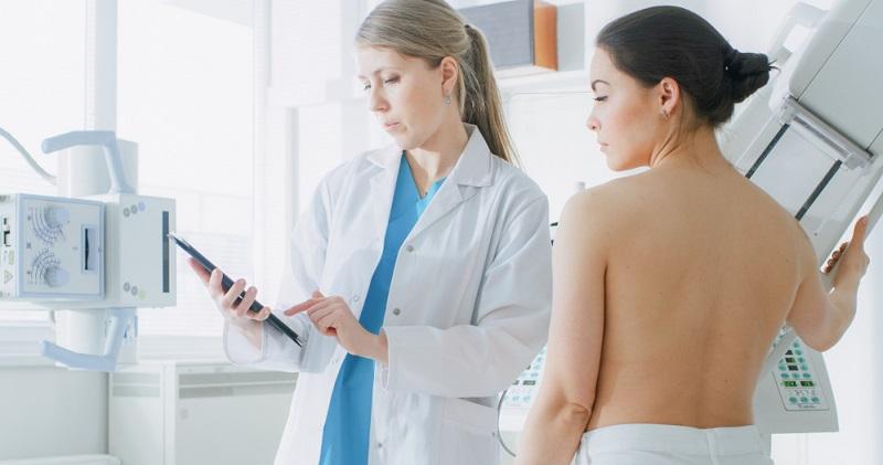 Neue Therapieformen haben zusammen mit einer umfassenden Früherkennung die Heilungschancen bei einem Mammakarzinom deutlich verbessert.