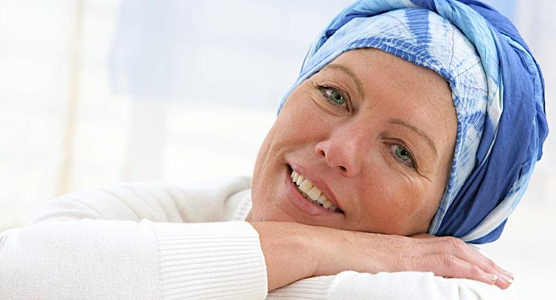 Die Diagnose Brustkrebs stellen die Ärzte jedes Jahr viele Tausend Male. Für die Betroffenen ist das zunächst ein großer Schock. Doch sind aufgrund moderner Therapien und einer immer besseren Früherkennung die Überlebenschancen mittlerweile recht hoch.