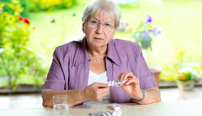 Durch die Einnahme von Citalopram wird sowohl die Intensität als auch die Dauer der Wirkung anderer Arzneimittel beeinflusst. Präparate, die hoch dosiertes Johanniskraut enthalten und oft als frei verkäufliche Medikamente gegen depressive Verstimmungen eingenommen werden, können die Wirkung erheblich verstärken.