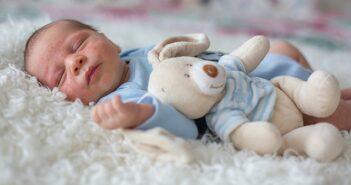 Hautausschlag beim Baby: Welche Erkrankung steckt dahinter?