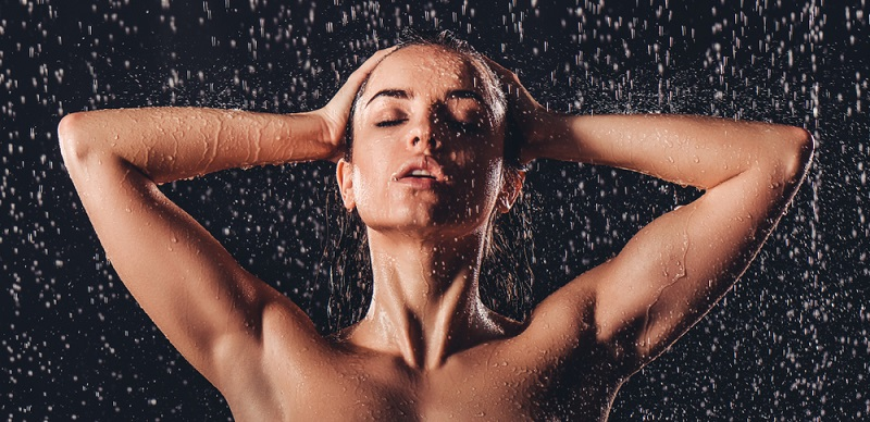 Tägliches Duschen ist nach Meinung der Hygieneexperten unnötig.