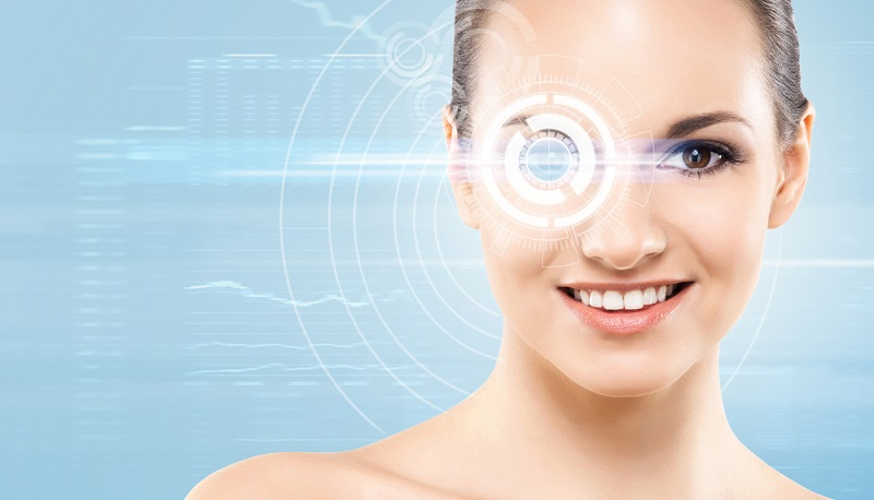 Der Augenlaser ist normalerweise computergesteuert. Das führt dazu, dass er die Form, die die Hornhaut erhalten soll, mit einer hohen Präzision erzeugt.