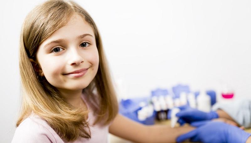 Auch Allergietests beim Hautarzt können Klarheit bringen.
