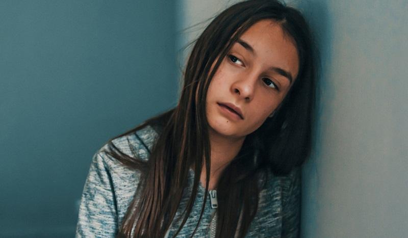 Die Frage, ob Hanftee bzw. CBD wirklich gegen Depressionen wirkt, ist heiß diskutiert.