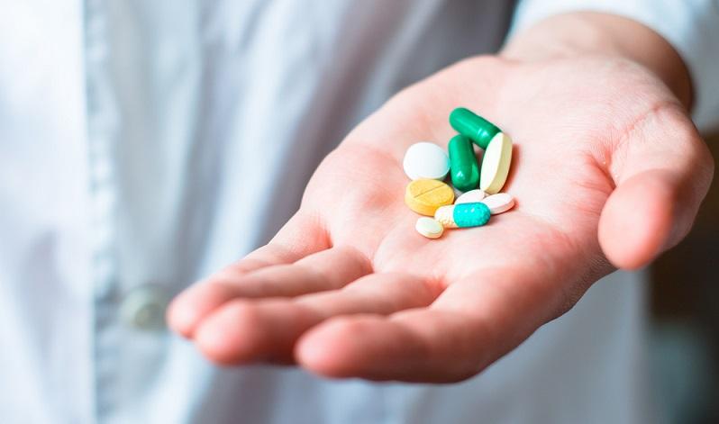 Während früher chirurgische Interventionen die Regel waren, kann man heute einen Großteil der Patienten mithilfe moderner Pharmazie behandeln.