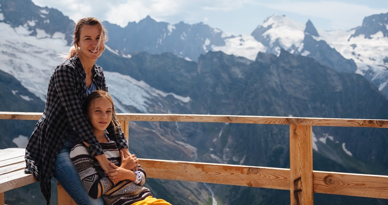 Die Auswahl des Urlaubsorts ist für Allergiker ganz besonders wichtig. Für Hausstauballergiker sind Urlaubsorte im Hochgebirge besonders empfehlenswert. In einer Höhe zwischen 1.500 und 1.800 Metern ist die Milbenbelastung sehr viel geringer.